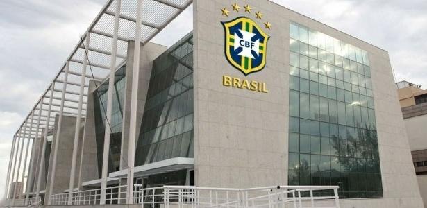 CBF. CONFEDERAÇÃO BRASILEIRA DE FUTEBOL. TRANSMISSÃO DO BRASILEIRÃO. 10 ANOS. CLUBES.